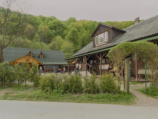Brandysówka Restaurant and camping near Kraków. Restaurant in Dolina Będkowska.