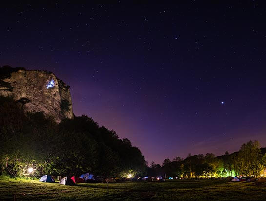 Camping_by_night_Krakow