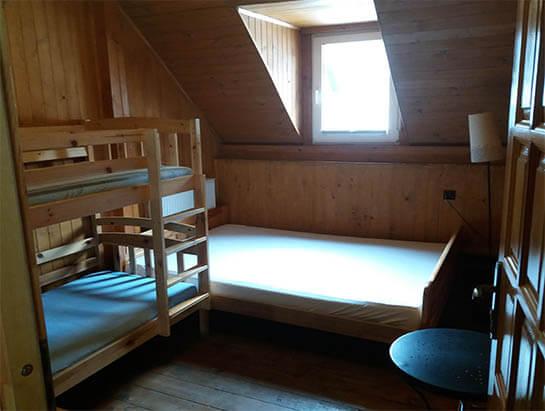 Pokój nr 6, z łóżkiem piętrowym i podwójnym